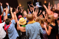RI-MA-CT Wedding DJ & RI-MA-CT DJ Services & RI-MA-CT Disc Jockeys bar bat mitzvah kids dancing